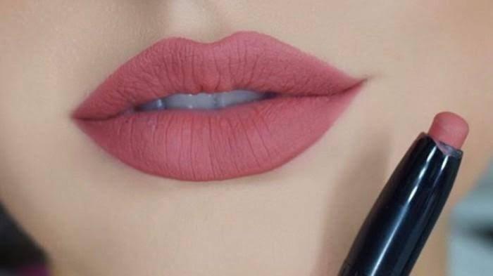 Cara Sederhana Mengenali Lipstik Berbahaya, Apa Saja Ciri-cirinya? Tes dengan Perhiasan Emas Kamu