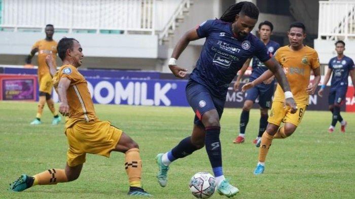 Persamaan Arema FC dengan Persib Bandung di 2 Laga Liga 1 2021, Barisan Striker Masih Mandul