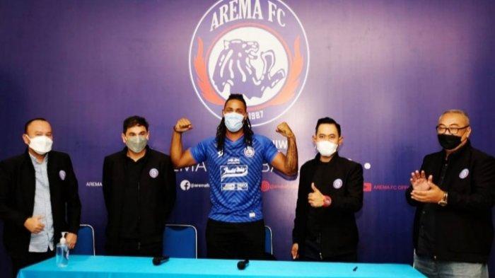 Resmi Jadi Pemain Arema FC, Carlos Fortes Pakai Nomor Punggung 9