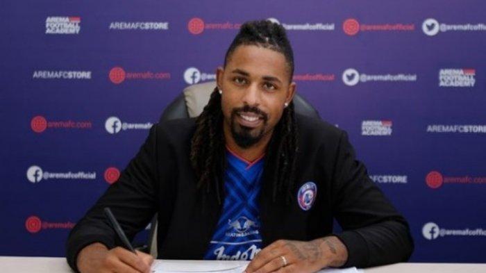 Crazy Rich Malang Punya Permintaan Khusus kepada Carlos Fortes dalam Masa Baktinya Bersama Arema FC