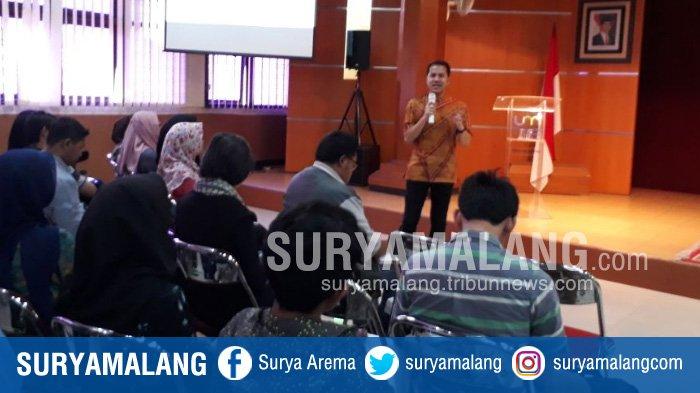 Chef Agus Sasirangan Berbagi Pengalaman Bisnis Kuliner di Universitas Negeri Malang