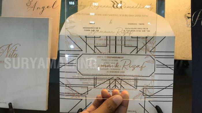 Undangan pernikahan Berbahan Akrilik Sedang Jadi Tren di Surabaya dan Malang