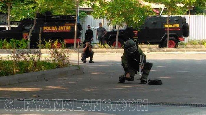 Simulasi Penanganan Terorisme di Unair Surabaya Layaknya Adegan Film