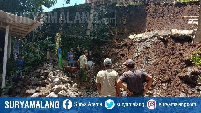Curah Hujan Tinggi Diduga Jadi Pemicu Plengsengan Ambrol di Kelurahan Tlogomas, Kota Malang