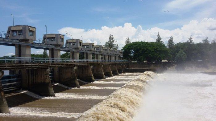 Dampak Flusing Debit Sungai Brantas Wilayah Kediri Meningkat, Diperkirakan Akan Banyak Ikan Mabuk