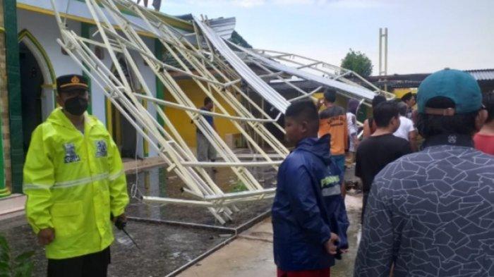 Dampak Angin Puting Beliung di Sumenep, 3 Orang Terluka