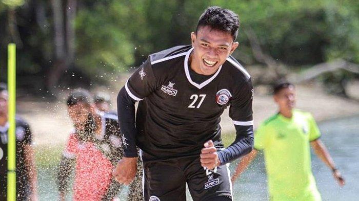 Manfaat Latihan Fisik Arema FC di Pantai Balekambang Malang, Pemain Cedera Terbantu