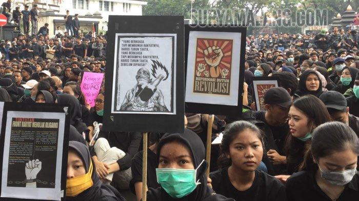 BERITA MALANG POPULER Hari Ini, Suasana Demo di DPRD  dan Fakta UB Pindahkan Kuliah