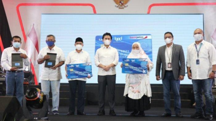 Bank Jatim Gandeng PT Taspen (Persero) Luncurkan Smart Card Untuk Nasabah Pensiunan