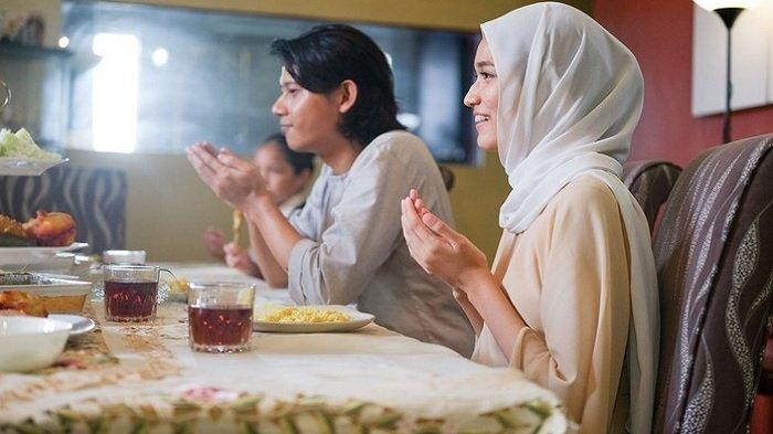 Doa Berbuka Puasa Senin Kamis, Keutamaan dan Manfaatnya, Ustadz Adi Hidayat Beberkan Cerita