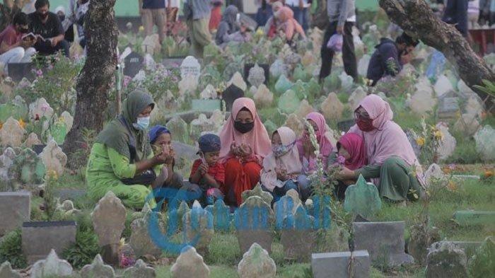 INSHA ALLAH Besok Puasa Ramadan 2021, Bacaan Doa Ziarah Kubur & Tata Cara Ziarah Makam Menurut UAS