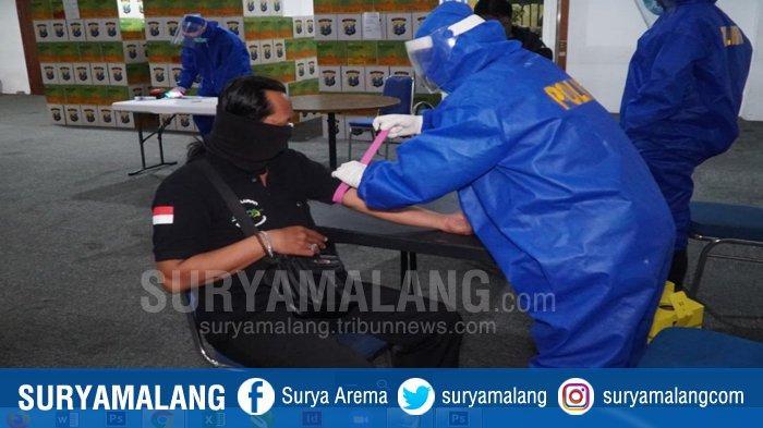 Pemkot Surabaya Lakukan Rapid Test dan Swab Test Massal, Hasil Tes 445 Orang Belum Keluar