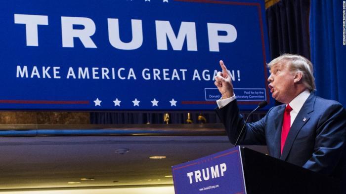 Donald Trump Jilat Ludahnya Sendiri Melalui Pernyataan Blunder Soal Virus Corona, Awalnya Sebut Flu