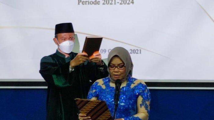 Dr Meithiana Indrasari Jabat Ketua Stikosa-AWS Surabaya Periode 2021-2024