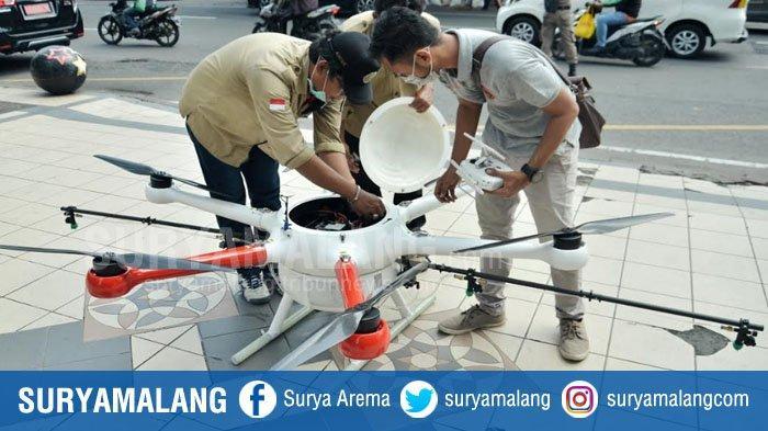 Drone Disinfektan Semprot Kampung di Surabaya, Hasil Kerjasama Pemkot dan Komunitas Drone Surabaya