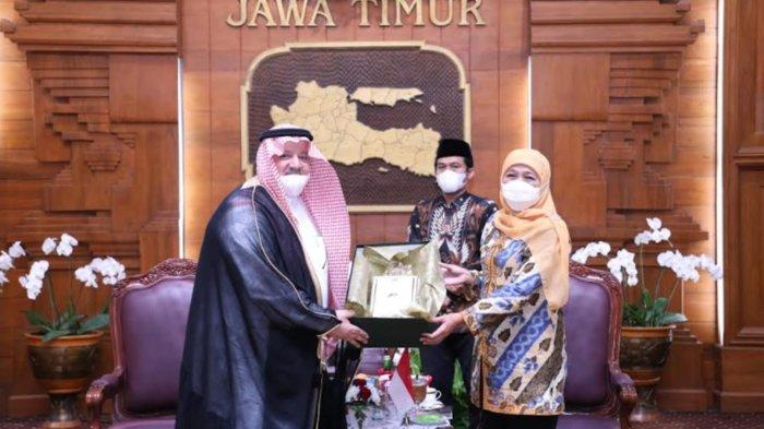 Dubes Arab Saudi Temui Gubernur Khofifah, Bicara Haji Hingga Rencana Buka Kantor Konsulat Surabaya