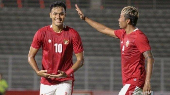 Aksi Ciamik Duo Pemain Arema FC di Laga TimnasIndonesiaU-23 Vs TiraPersikabo