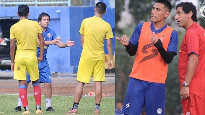 Eduardo Almeida (kiri, baju biru) memimpin latihan dan melakukan pengarahan di depan tim Arema FC