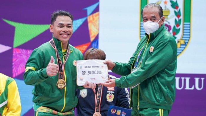 Lifter Jatim Eko Yuli Irawan Raih Medali Emas PON XX Papua