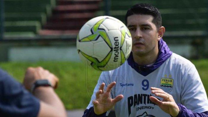 Komentar Esteban Vizcarra Soal Pemain Muda Persib Bandung: Mereka selalu Belajar