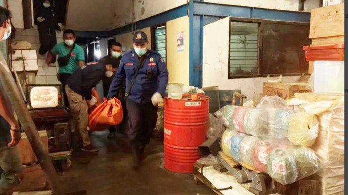 Kronologi Pekerja Gudang Tewas Akibat Lehernya Terjepit Pembatas Lift di Surabaya
