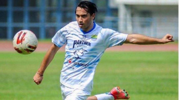 Debut Ezra Walian Bareng Persib Bandung di Piala Menpora 2021 Tertunda, Ini Kata Robert Alberts