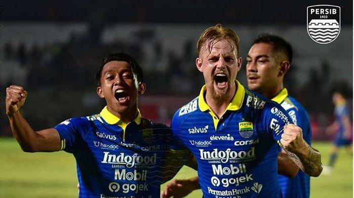 Persebaya Kalah Telak, Skor Persib Bandung Vs Persebaya Adalah 4-1, Diwarnai Kartu Merah dan Penalti