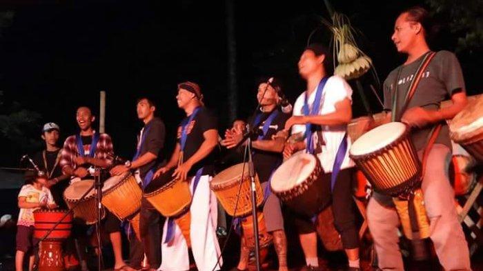 Akar Historis Waditra Jimbe Versi 'Kendang Sentul' - festival-musik-kendang-djembe-di-kota-blitar_20180828_235031.jpg