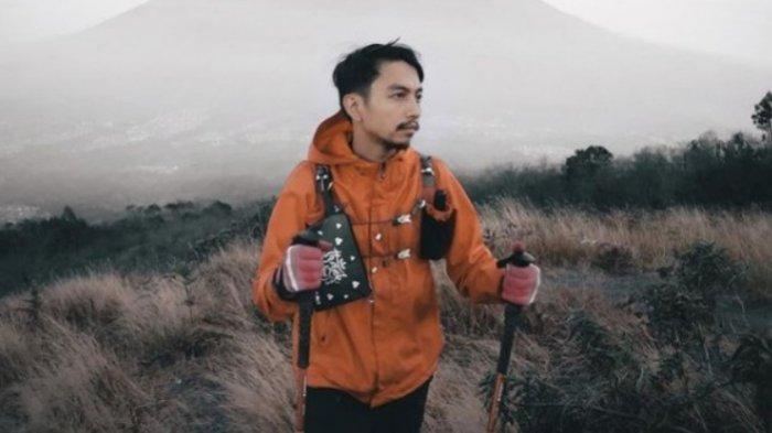 Fiersa Besari Akui Kebodohannya Soal Kena Blacklist TN Gunung Rinjani, Proyek Atap Negeri Tersendat