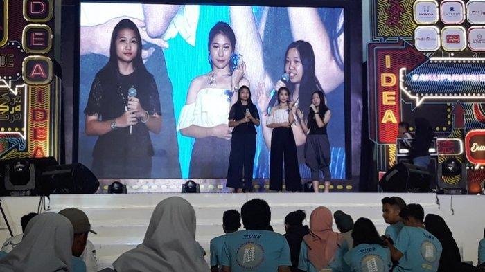 Tim SMA Kolese ST Yusup Malang ke Surabaya, Demo Bikin Perhiasan dari Celupan Kain Kaca dalam Resin