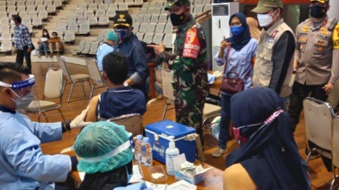 Vaksinasi Massal, Dua Hari Untuk 15.000 Orang