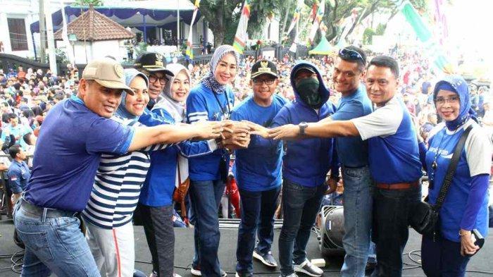 Puluhan Ribu Warga Kota Malang Semarakkan Jalan Sehat Arema Sadar Pajak VI