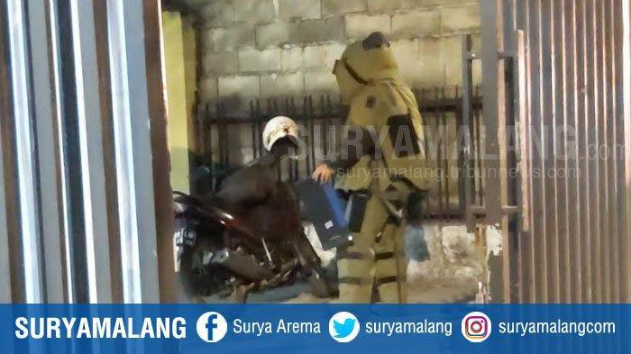 BREAKING NEWS : Diduga Bom, Penjinak Bom Periksa Tas & Motor Mencurigakan di Sidoarjo