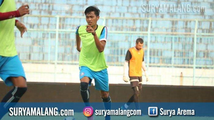 Antar Arema FC Kalahkan Persebaya, Jayus Hariono Dapat Pujian dari Milan Petrovic