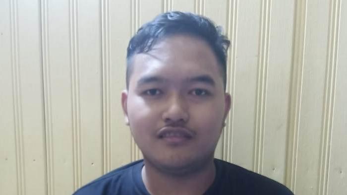 Gilang Pelaku Fetish Kain Jarik Ditangkap di Kalimantan Tengah, Langsung Dikeler Menuju Surabaya