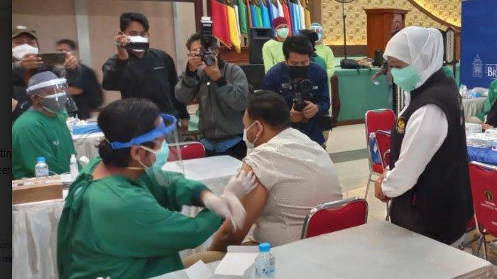 Khofifah Sebut Capaian Vaksinasi Covid-19 Surabaya dan Mojokerto Sudah 70 Persen Lebih
