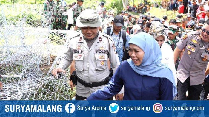 Gubernur Khofifah Pantau Pemasangan Bronjong di Jember & Berikan Bantuan untuk Korban Banjir Bandang