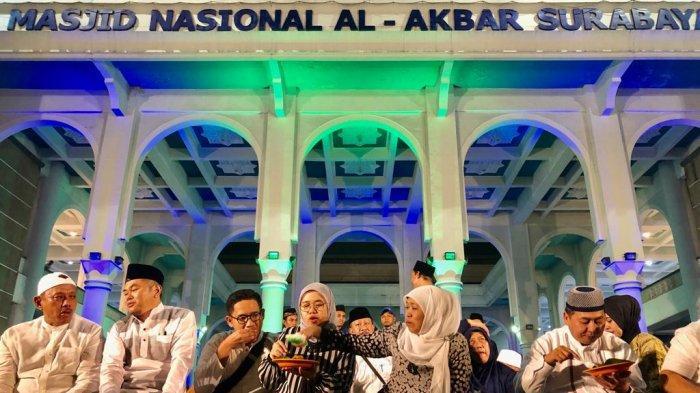 40 Ribu Jamaah Ramaikan Qiyamul Lail Ramadan Bersama Gubernur Khofifah di Masjid Al Akbar Surabaya