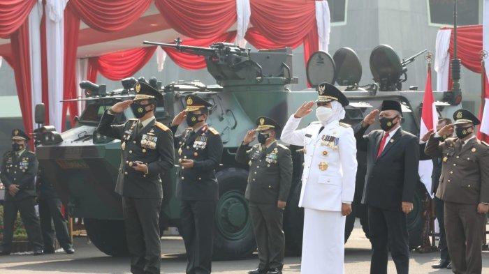 HUT TNI Ke-76, Gubernur Jatim Khofifah Apresiasi Kontribusi TNI dalam Menekan Pandemi Covid-19