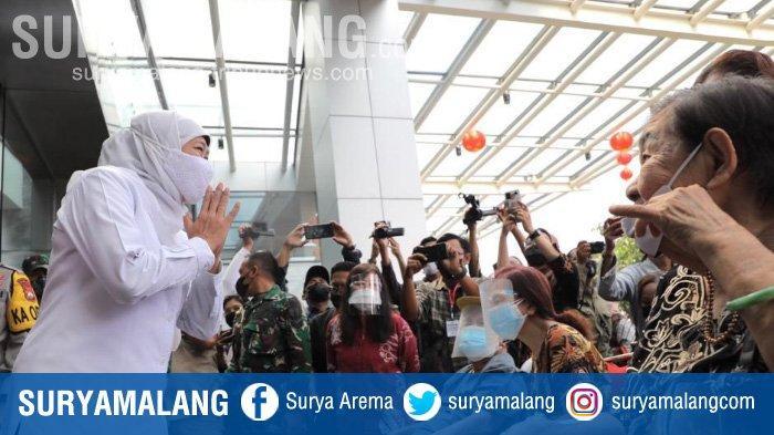 Menkes Budi Gunadi dan Gubernur Jatim Khofifah Tinjau Pelaksanaan Vaksinasi Lansia di Surabaya
