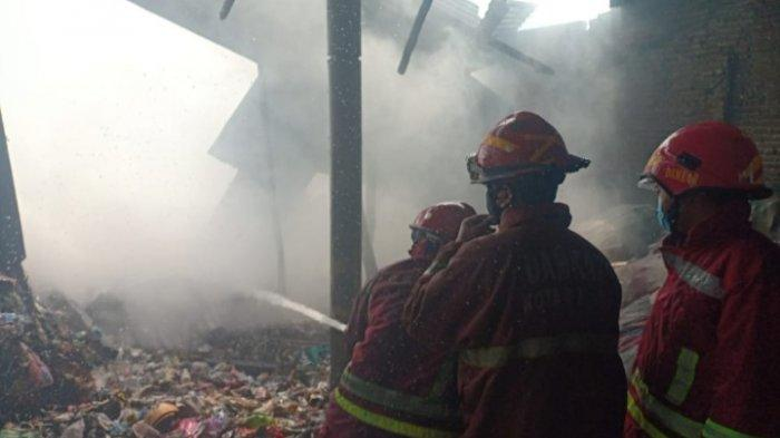 Kronologi Kebakaran Gudang Rongsokan di Jalan Kyai Parseh Jaya, Kota Malang