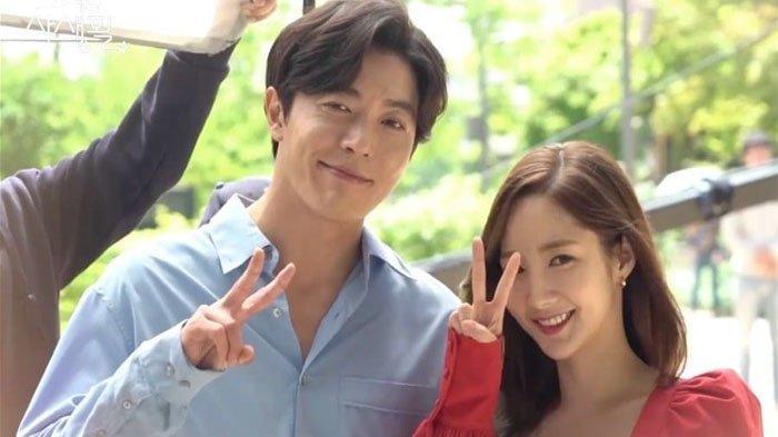 5 Adegan Ini Buat Episode Terakhir Her Private Life Sulit Dilupakan, Lihat Momen Deok Mi & Ryan Gold