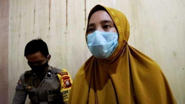Gaji Tak Seberapa, Hervina Guru Honorer Dipecat via WhatsApp Seusai Curhat di Medsos Soal Nilai Gaji