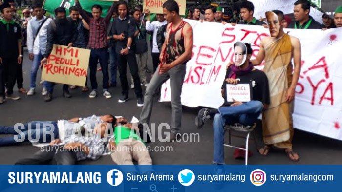 HMI Malang Protes Tokoh Myanmar Suu Kyi, Lihat Bentuk Aksi Mereka di Balai Kota
