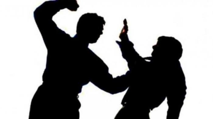 Karena Diledek Kalah Main Catur, Teman Sendiri Ditusuk Gunting Di Blitar