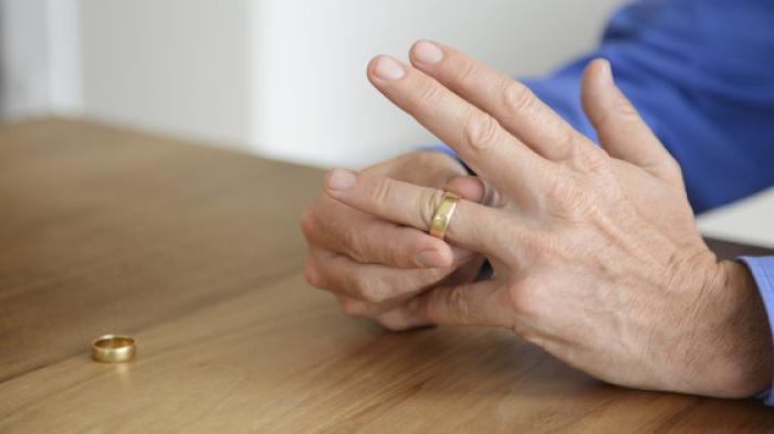 Kadung Ceraikan Istri Demi Wanita Lain, Pria Trenggalek Ini Malah Diputus Oleh Wanita Selingkuhannya