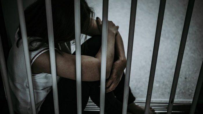 Gara-gara Insiden Salah Ketik, Perempuan Ini Diciduk Polisi & Dipenjara 3 Hari, Semua Karena Mantan