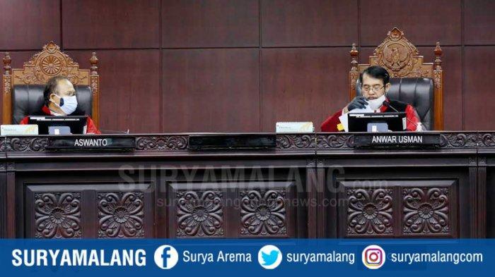 BREAKING NEWS :  MK Tolak Gugatan Paslon Wali Kota Machfud-Mujiaman untuk Sengketa Pilkada Surabaya