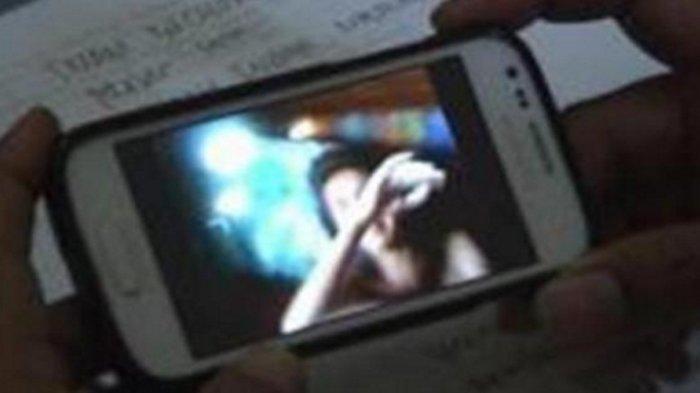 Terungkap Alasan Janda di Madura Bikin Konten Telanjang, Bermula Iseng di Kamar Pribadi Hingga Viral
