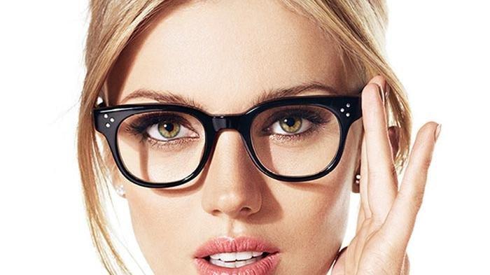 Ini Penjelasan Ilmiah, Kenapa Orang Berkacamata Selalu Dianggap Lebih Cerdas